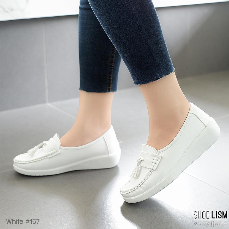คัชชูพยาบาล หนังPU สีขาวสะอาดตา มีลูกเล่นที่หน้าเท้าเพิ่มความน่ารัก